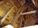 Pohled do hlavní věže kostela.
